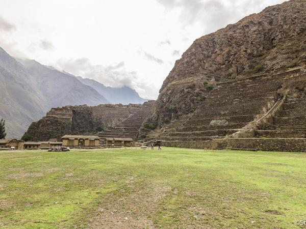 Detail experience in Ollantaytambo as living Inca town