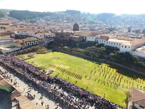 Drone shows the main places to make tourism in Cusco in HD