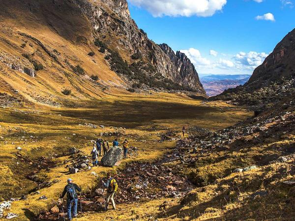 Lares valley: into this main trek to Machu Picchu