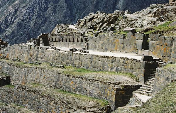 Day 1: Pick up from Airport - Transfer to Ollantaytambo - Overnight in Ollantaytambo